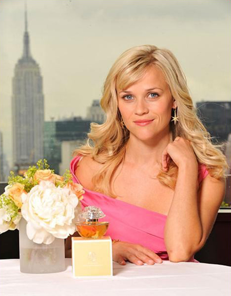 Reese-witherspoon-fragrance-in-bloom